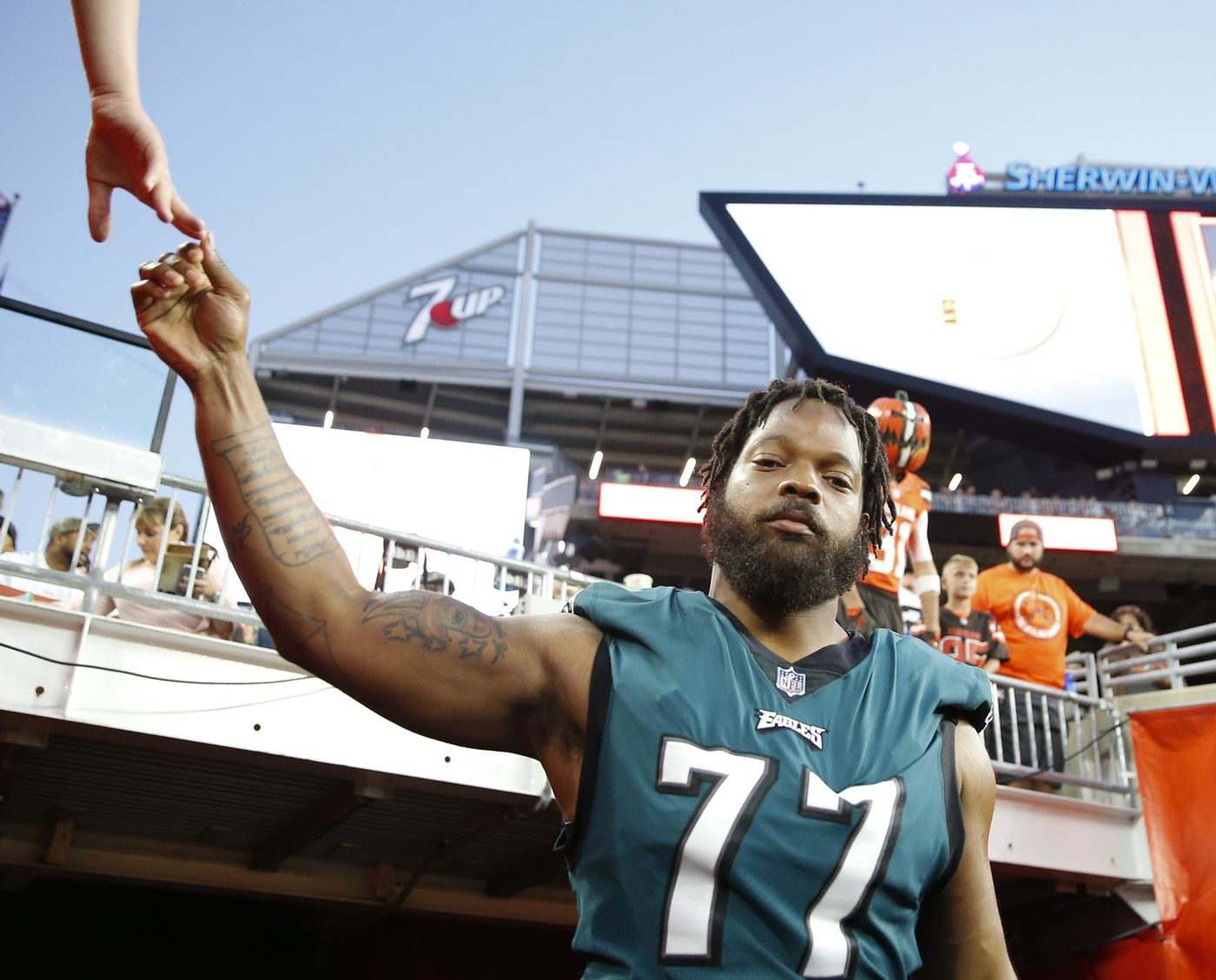 separation shoes 38b52 eff9e Why Eagles' Michael Bennett's shoulder pads are so small