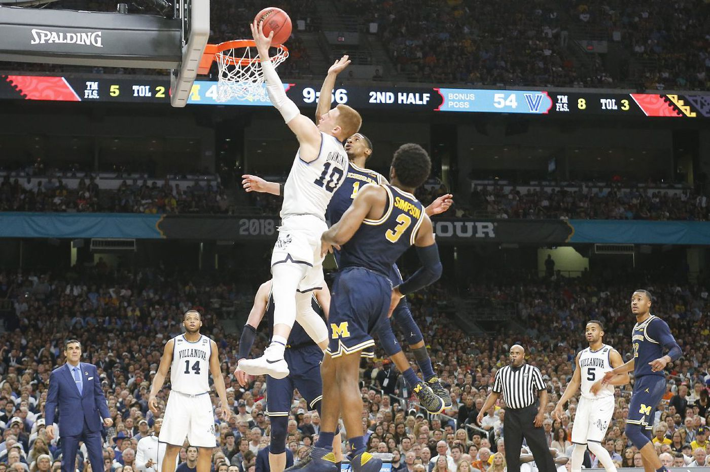 d4783080269d Villanova s Donte DiVincenzo is NCAA championship game star with record 31  points