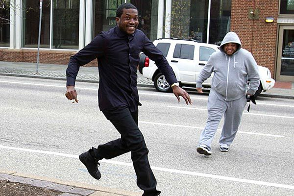 Ex-cop being sued by Philly rapper Meek Mill takes witness stand