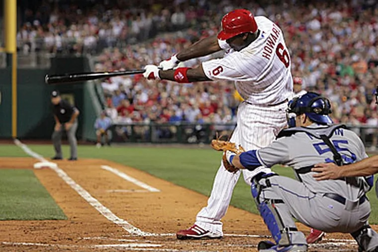Ryan Howard homers as the Phillies pound the Dodgers, 8-1. (Jerry Lodriguss / Inquirer)