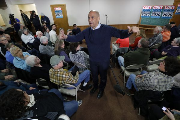 Cory Booker, in Iowa for his first campaign stop, pitches inspiration over ideology
