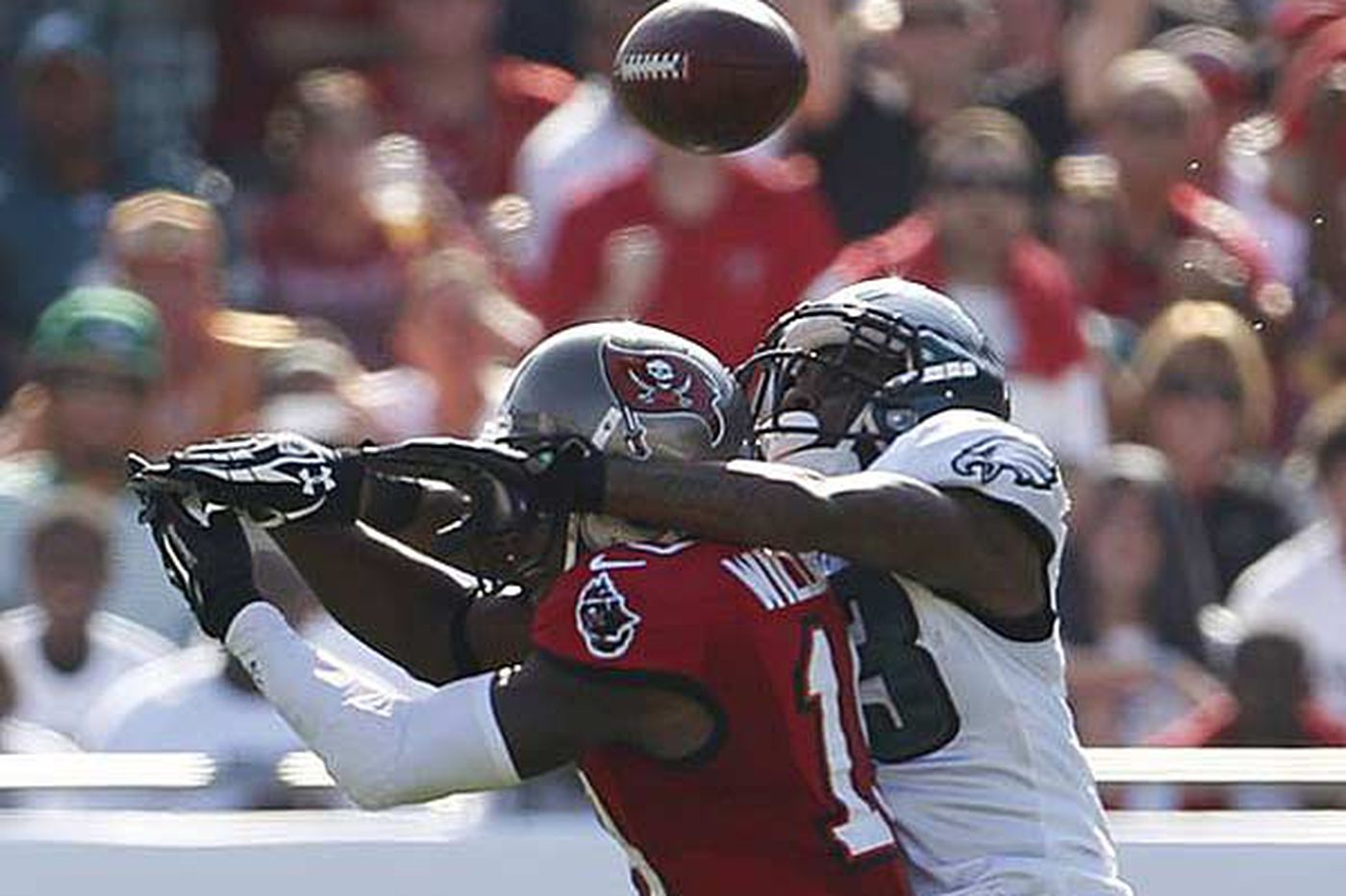 Not a work of art, but Eagles persevere against Bucs