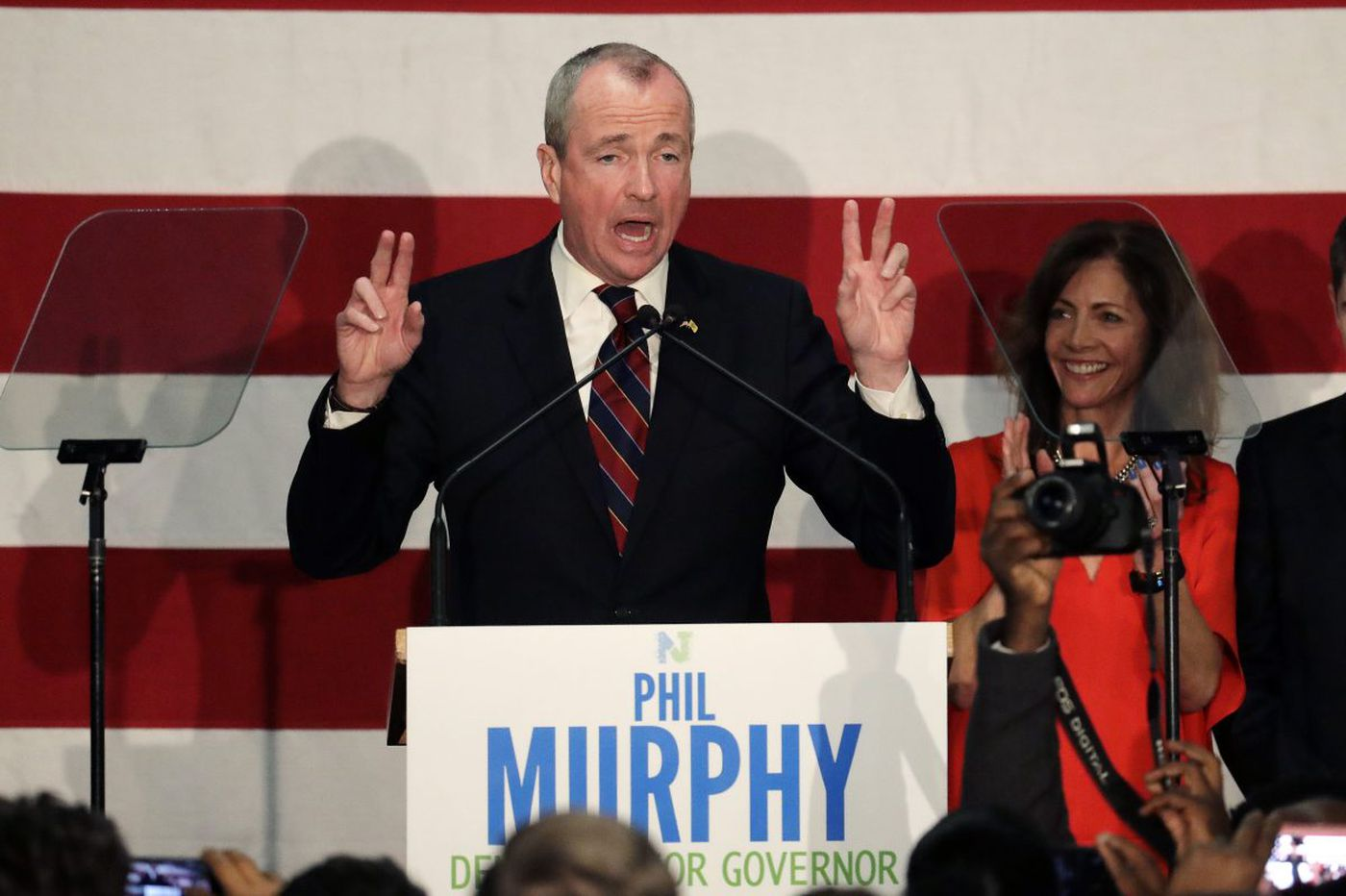 N.J. gov race: Ex-banker Murphy, Christie's No. 2 win primaries