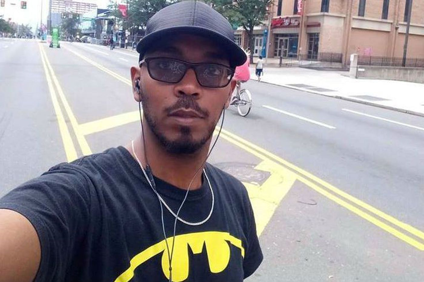 Police identify officer who shot Ethiopian immigrant; victim called 911, his boss says