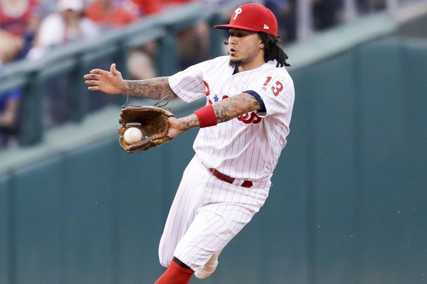 Phillies trade Freddy Galvis to San Diego Padres