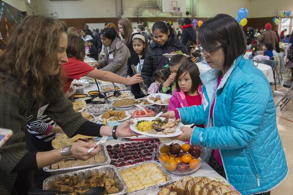 Thanksgiving volunteering in Philadelphia: Here's where you can help