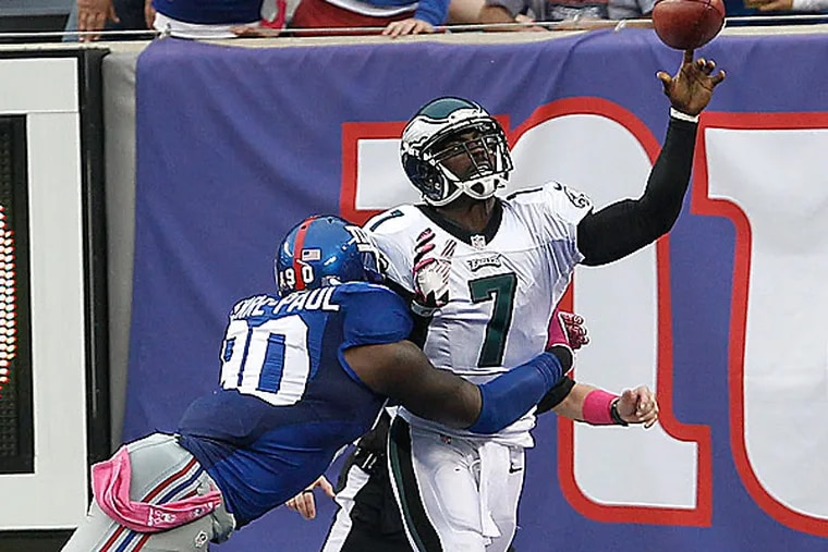 Eagles quarterback Michael Vick. (David Maialetti/Staff Photographer)