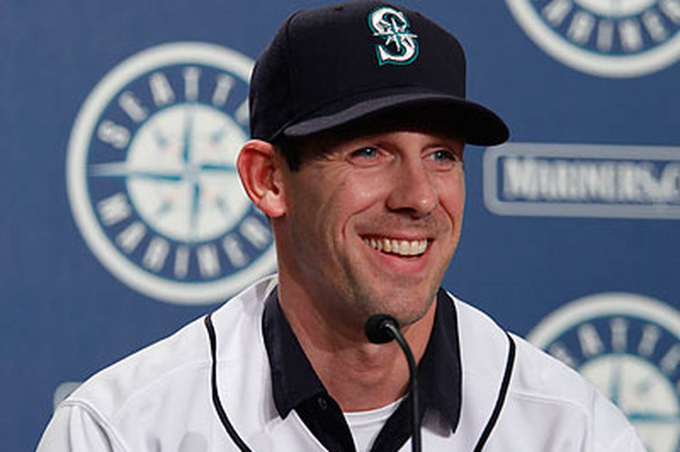 Minor foot surgery could limit Cliff Lee at M's camp