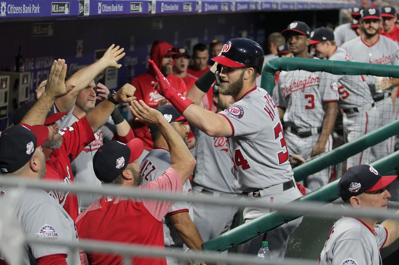 Phillies' owner John Middleton flies to Las Vegas to meet with Bryce Harper and team's confidence grows