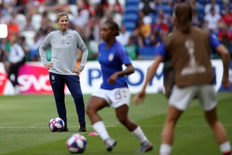 After guiding the program to back-to-back World Cup titles, U.S. women's soccer team head coach Jill Ellis will step down from the position in October.
