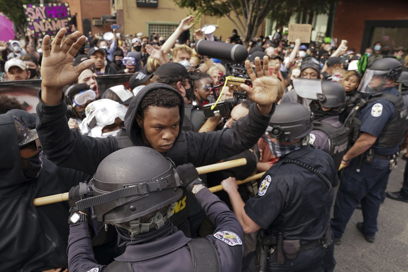 Breonna Taylor Philadelphia Officials Plan For Protests After Grand Jury Indictment
