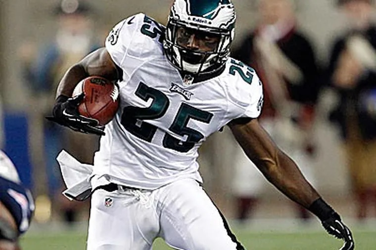 Eagles running back LeSean McCoy set a team record with 17 rushing and 20 total touchdowns last season. (Yong Kim/Staff Photographer)