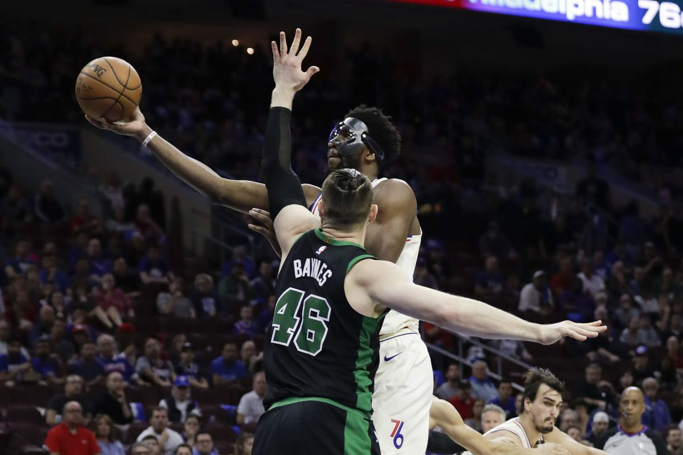 Joel Embiid's dunk on Aron Baynes doesn't tell the whole story, Celtics say