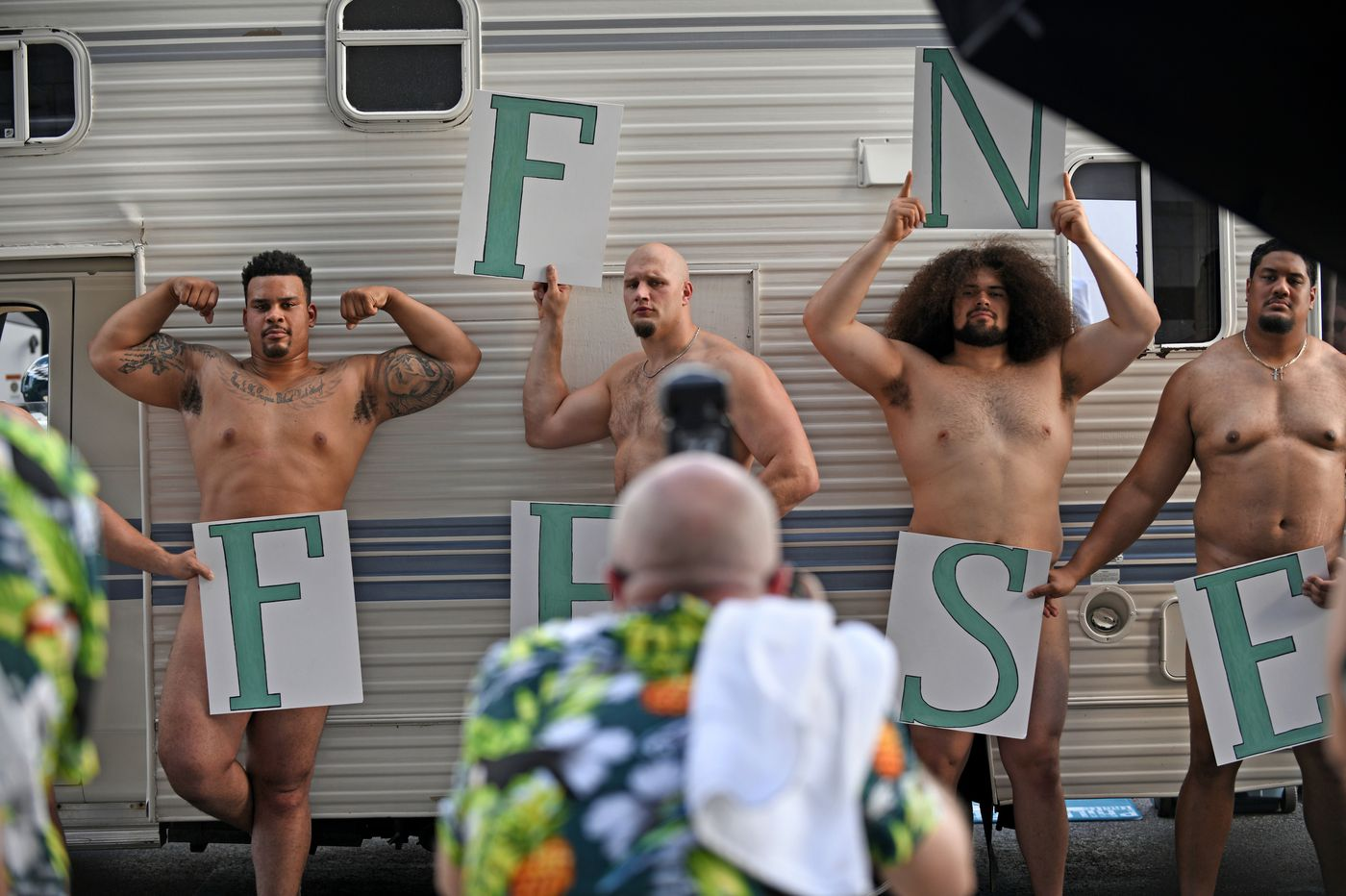 Eagles' offensive linemen showed more than their naked bodies to ESPN's readers | Mike Sielski