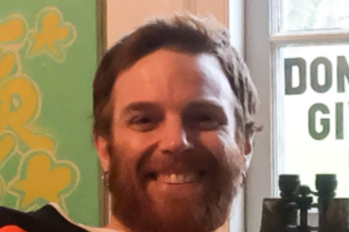 Neighbors in Main Line town band together to search for missing man