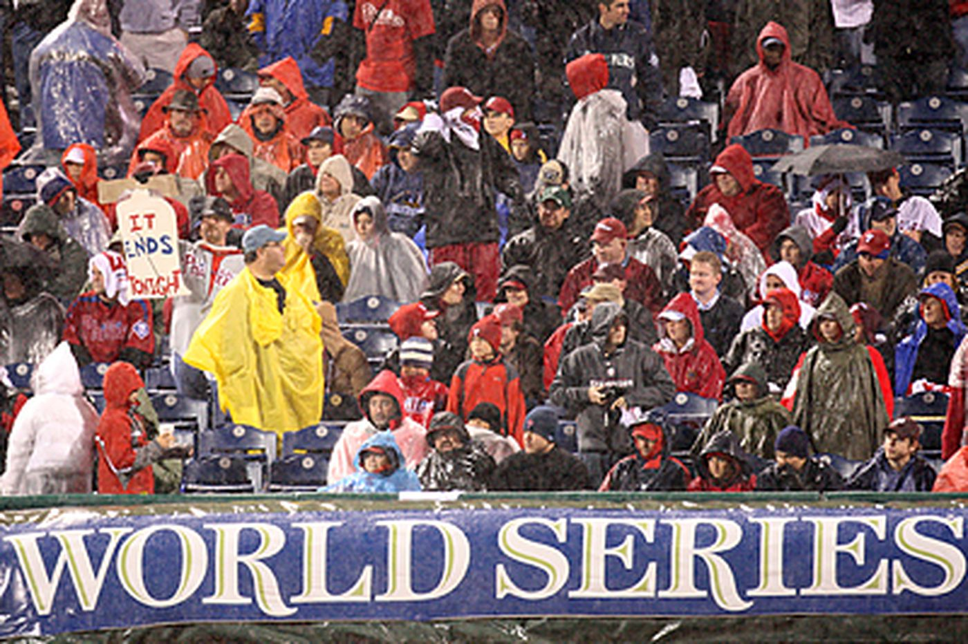 Bill Conlin: On a rainy night in Philly, MLB drops the ball