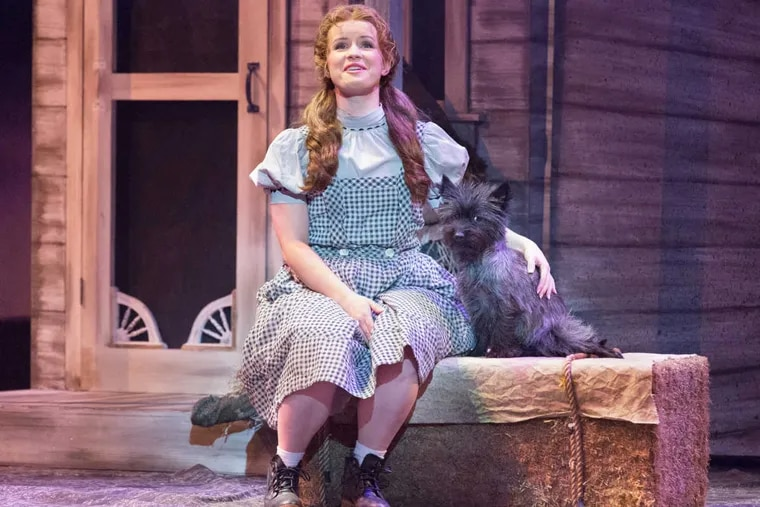 Adrienne Eller and Dusty in 'The Wizard of Oz' at the Walnut Street Theatre