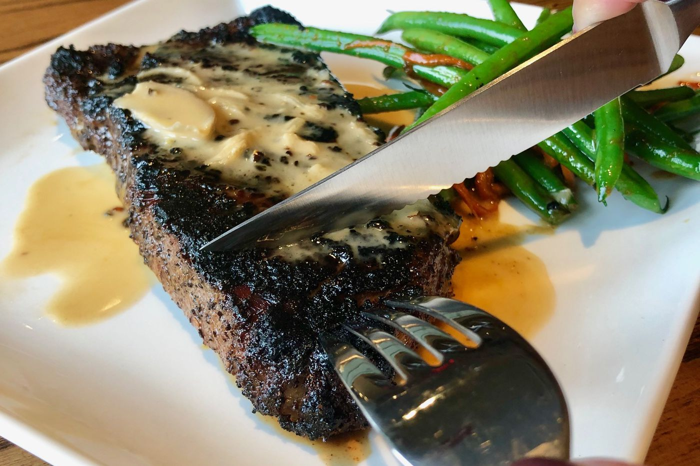 ChopHouse Grille: Steaks and drinks for the suburban crowd in Exton