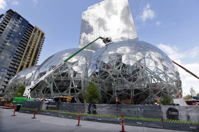 In April 2017, construction continued on three large, glass-covered domes on Amazon's campus in downtown Seattle.