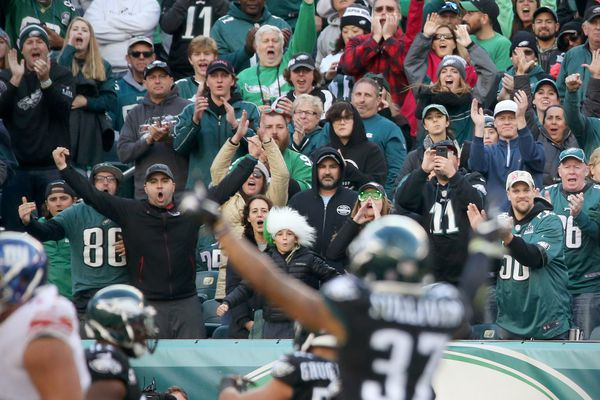Eagles' home-field advantage seems to be on injured reserve this season, too | Bob Ford