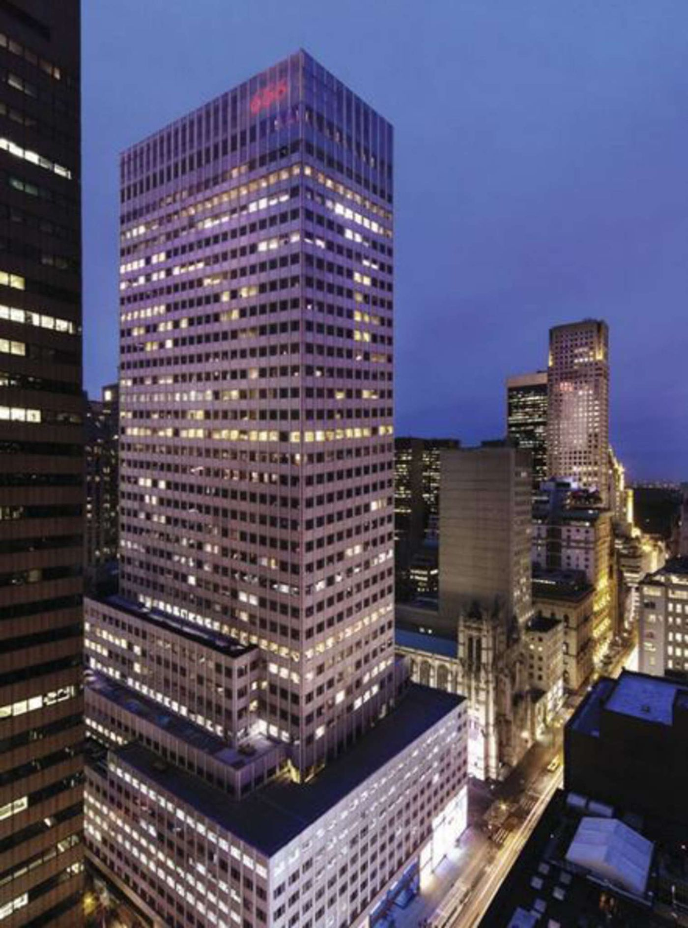 Mounting debt, empty offices at Kushner tower