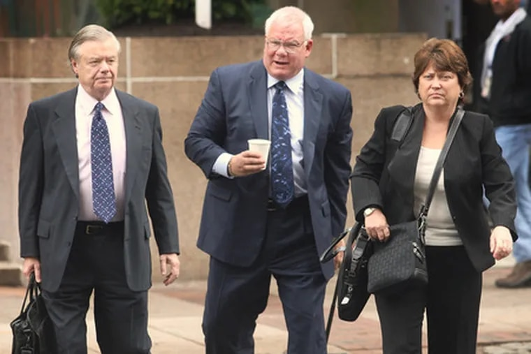 Vince Fumo (left), co-defendant Ruth Arnao and Arnao's lawyer, Ed Jacobs, arrive at courthouse last month for corruption trial.