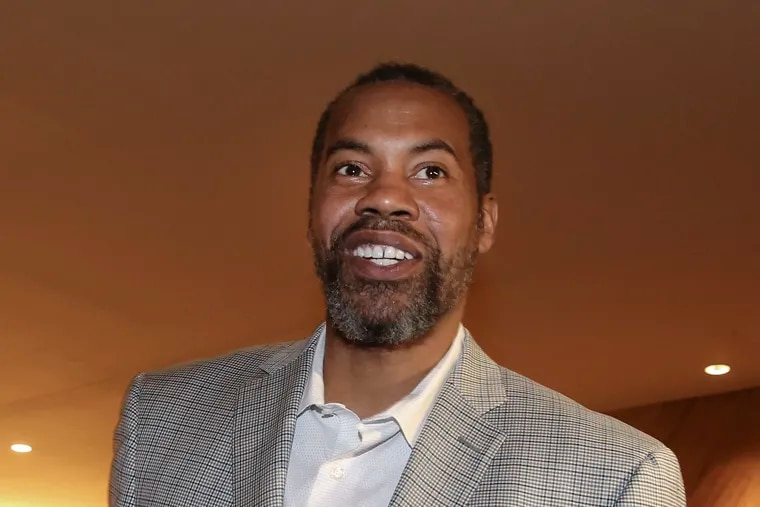 At Simon Gratz, Wallace was a two-time Parade All-American, and the 1992 USA Today Player of the Year.