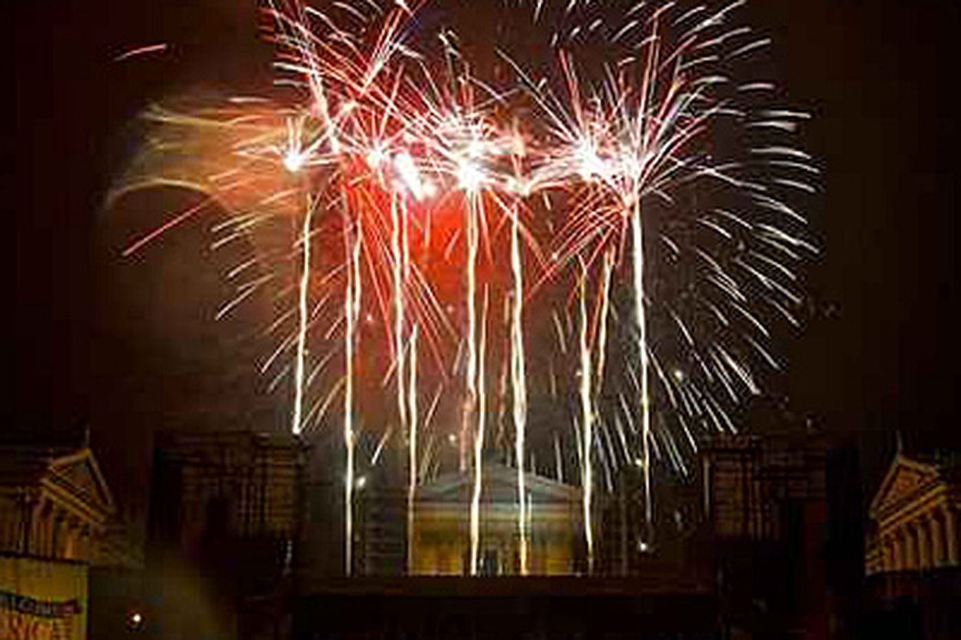 Economy putting the fizzle in Fourth fireworks