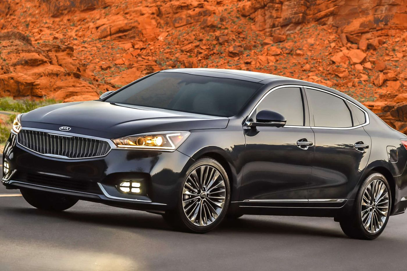 2017 Kia Cadenza is stylish, but a little tame