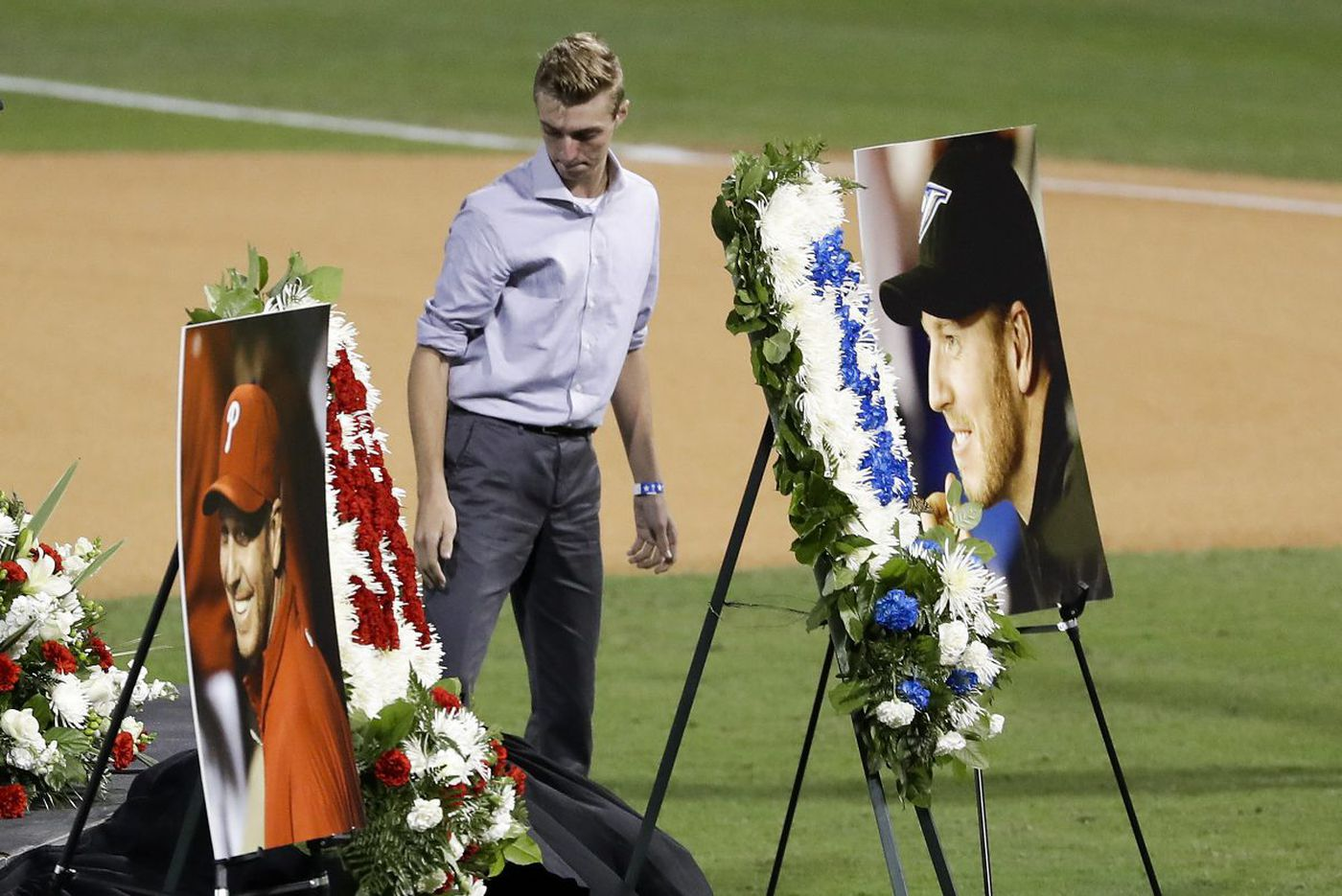 Roy Halladay remembered and celebrated in ballpark service