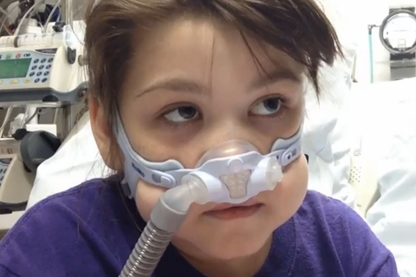 Judge rules temporarily for Pa. girl who needs lung
