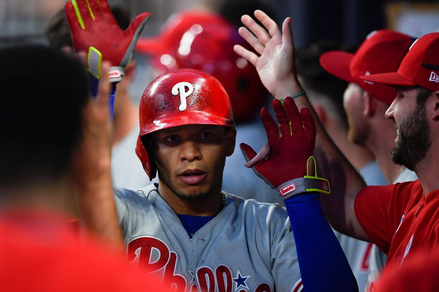 Cesar Hernandez helps Phillies rebound with late rally against Braves
