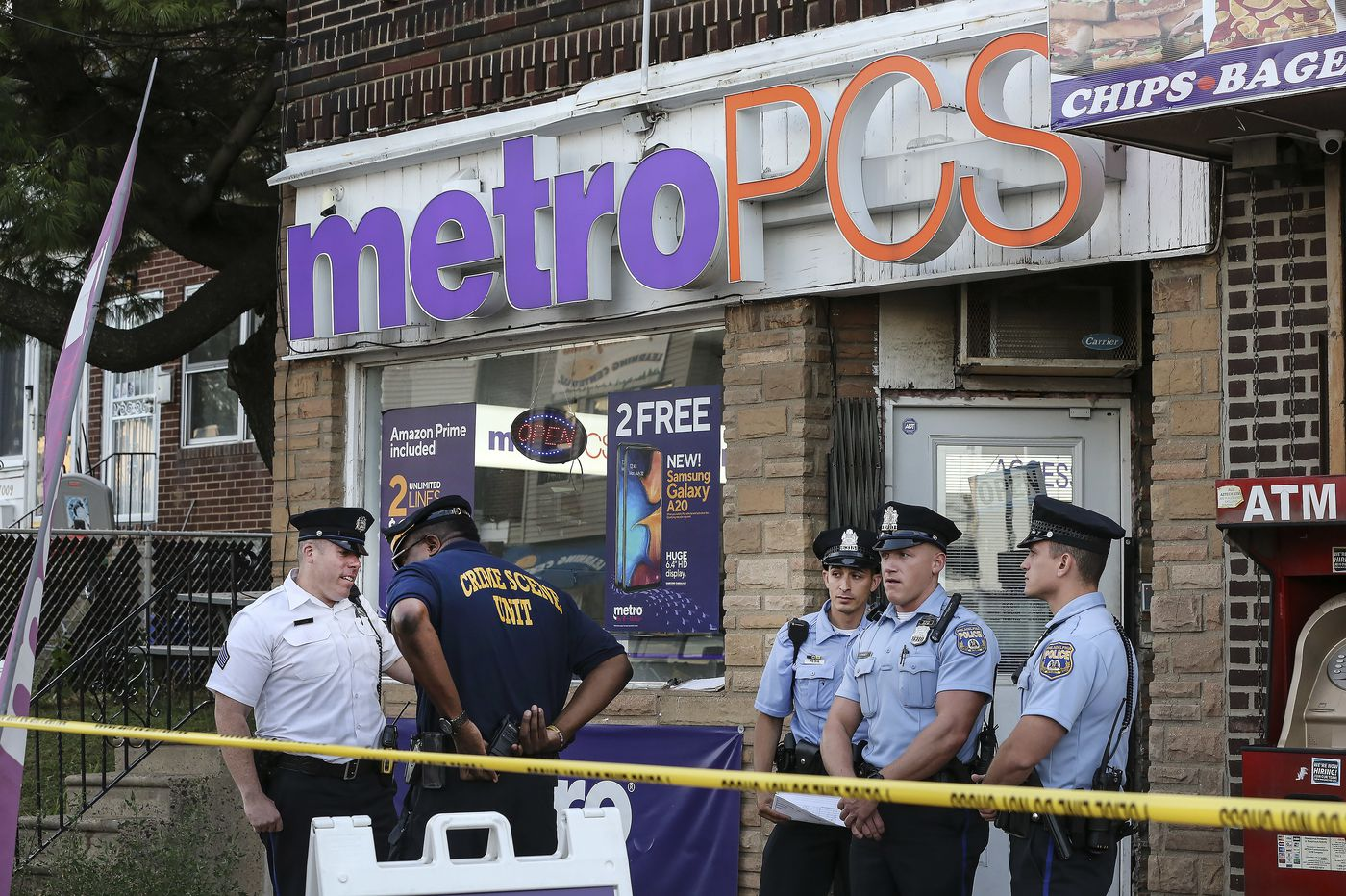 No charges for Metro PCS store worker who fatally shot would