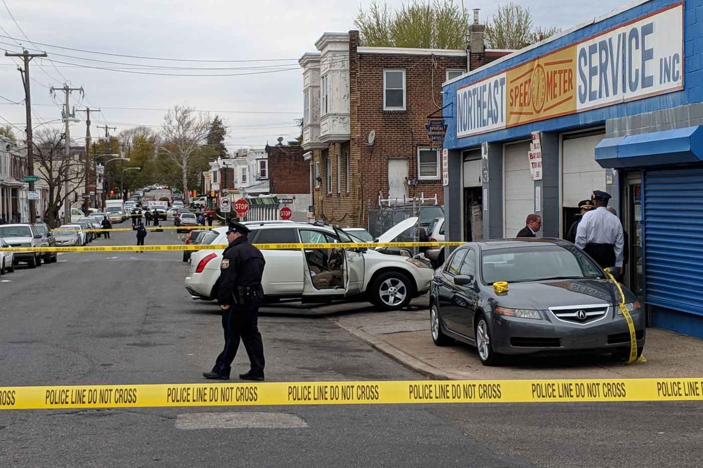 3 dead, including a shop owner, in separate Philly shootings