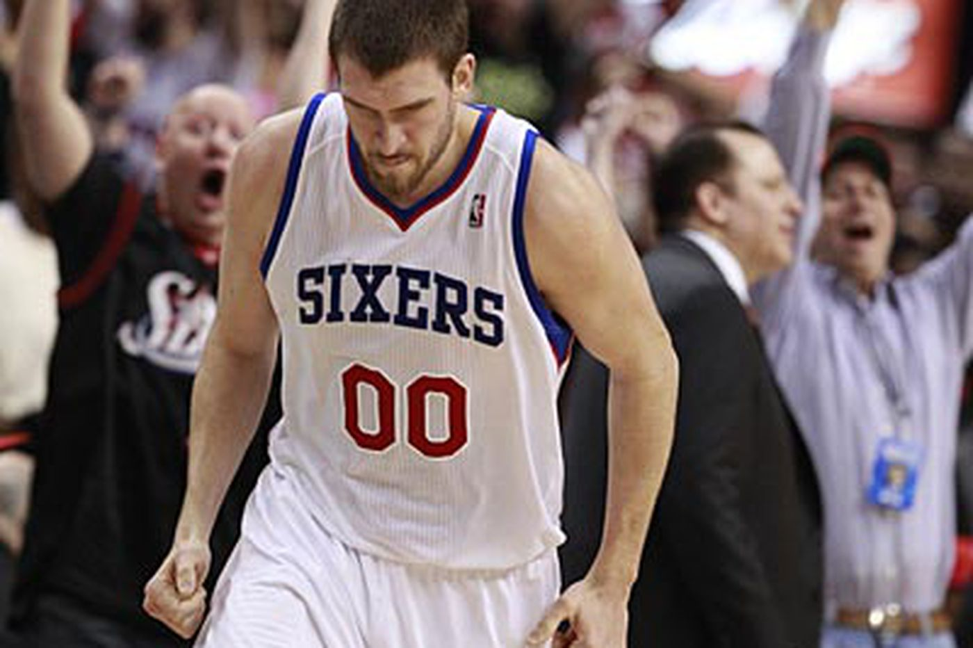 Bob Ford: Sixers' Hawes plays better than he looks