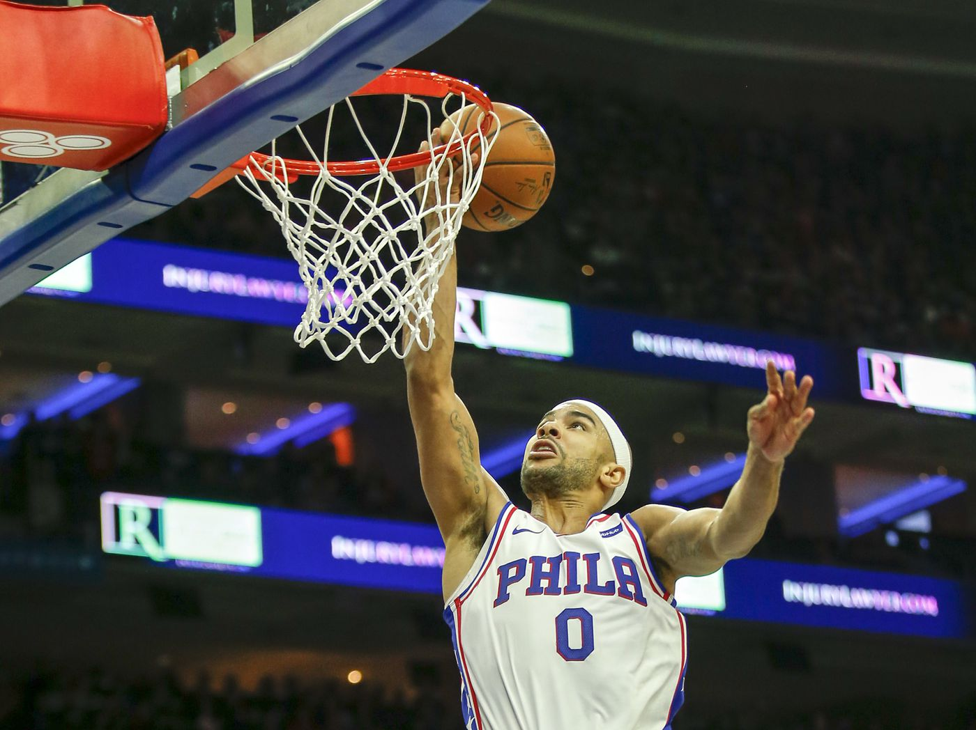 Sources: Sixers discuss moving Jerryd Bayless for Kyle Korver, agree to three-way deal for Mike Muscala