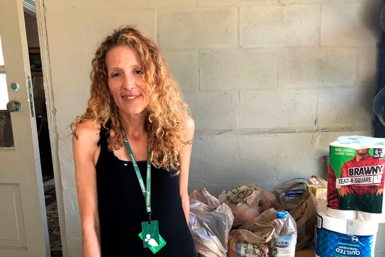 Instacart gig worker Summer Cooper, 39, delivers groceries in Belleair Beach, Fla. A big push is occurring in Congress and in some states to improve the rights of independent contractors. Small-business owners need to know the rules.