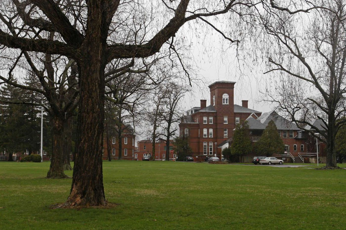 Community setting for some Norristown State Hospital psychiatric patients: Another building on the campus