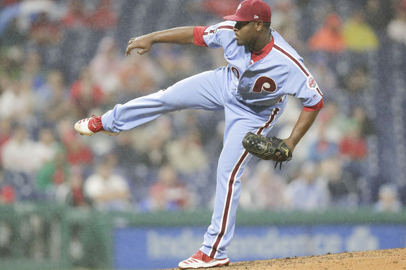Hector Neris provides four-out save to keep Phillies in wild-card race