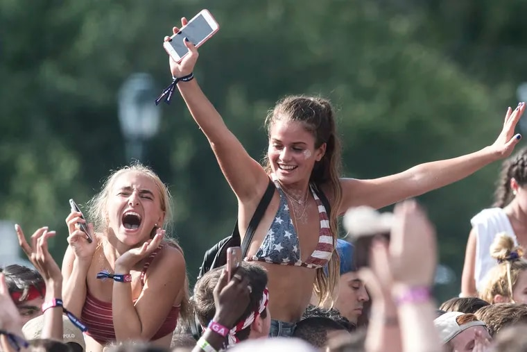 Concert fans cheer during Ty Dolla Sign's performance at  the 2018 Budweiser Made in America Festival on the Ben Franklin Parkway in Philadelphia, Pa. Sunday, Sept. 2, 2018. JOSE F. MORENO / Staff Photographer.
