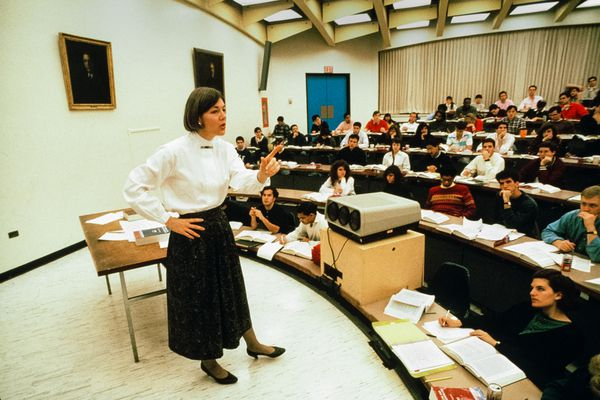Elizabeth Warren and 'the People's Electric Law School.' How Rutgers and Penn shaped a 2020 contender