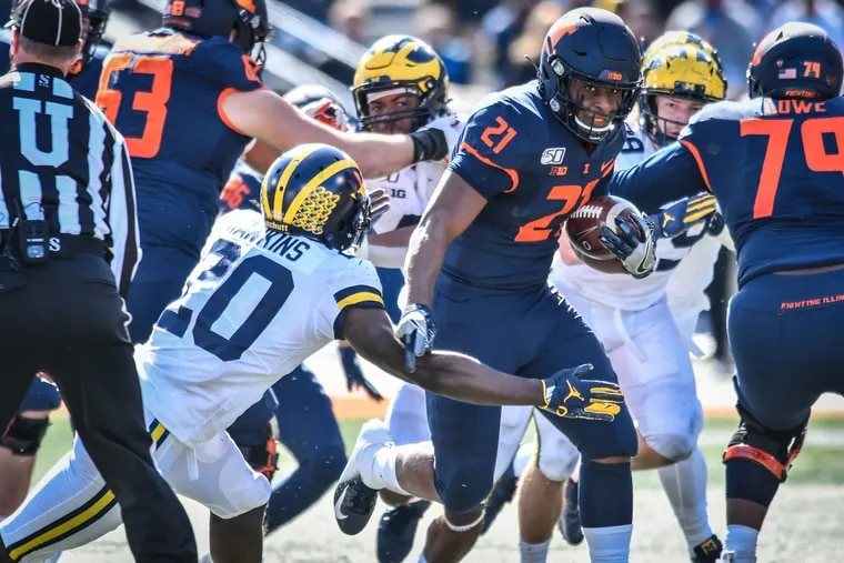 Former Illinois running back Ra'Von Bonner is transferring to Temple.