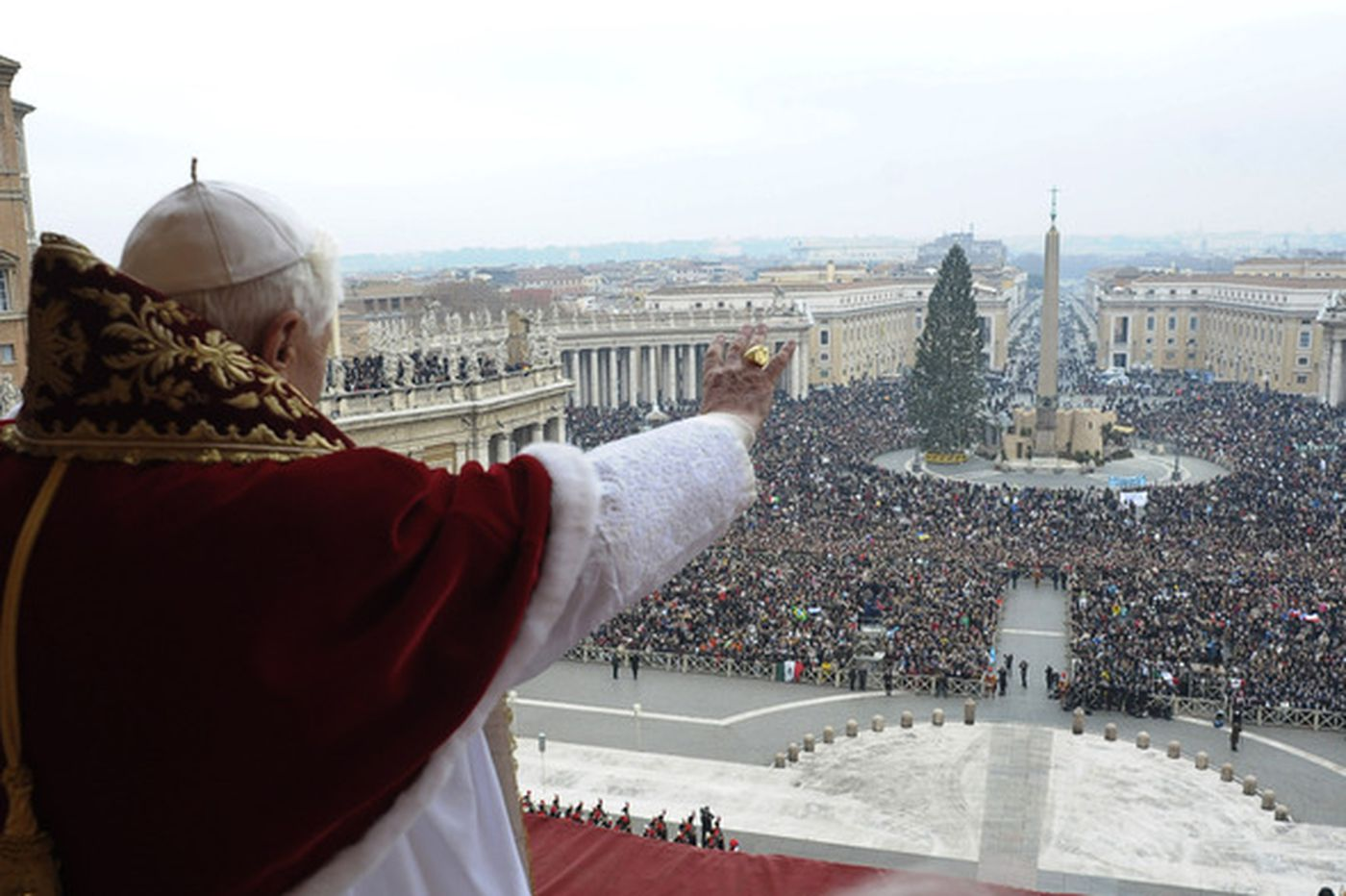 Pope calls for 'solidarity' in face of economic crisis