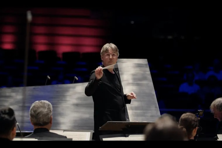 Conductor Esa-Pekka Salonen leading the Philadelphia Orchestra with pianist Yefim Bronfman in a Digital Stage presentation of the Liszt Piano Concerto No. 2 filmed in Verizon Hall.
