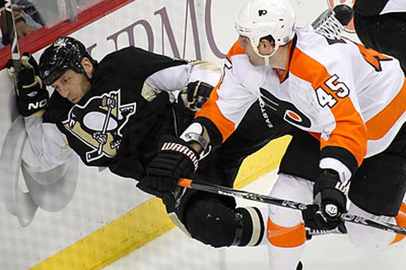 Flyers will try to cool off red-hot Penguins