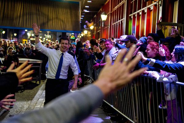 Pete Buttigieg's first stop in Pa. draws 1,000 people to Reading Terminal Market