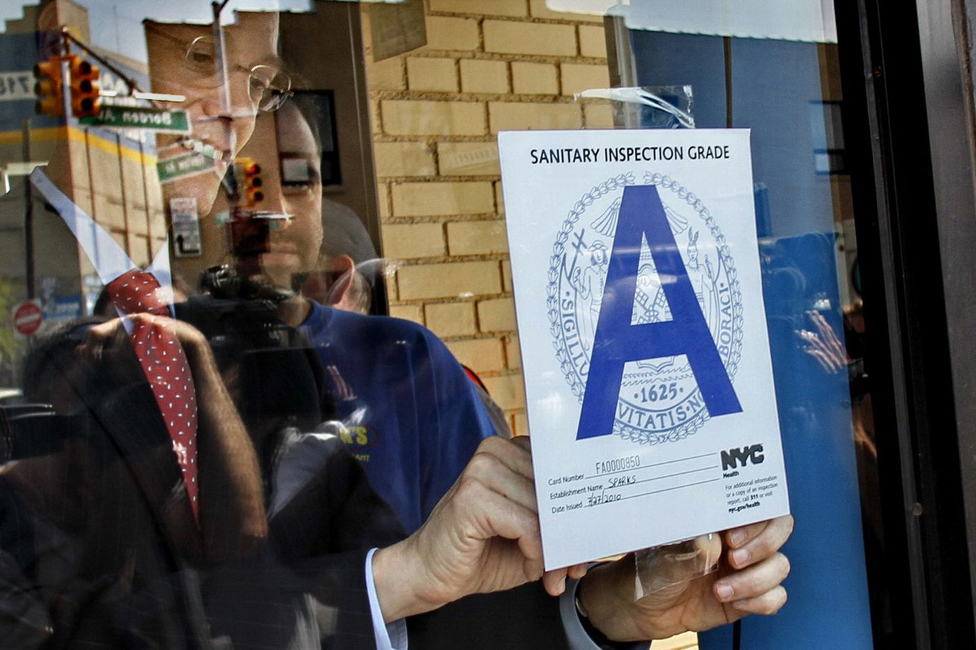 Philly gets silver 'medal' for health policy. Could restaurant grades get it to gold?