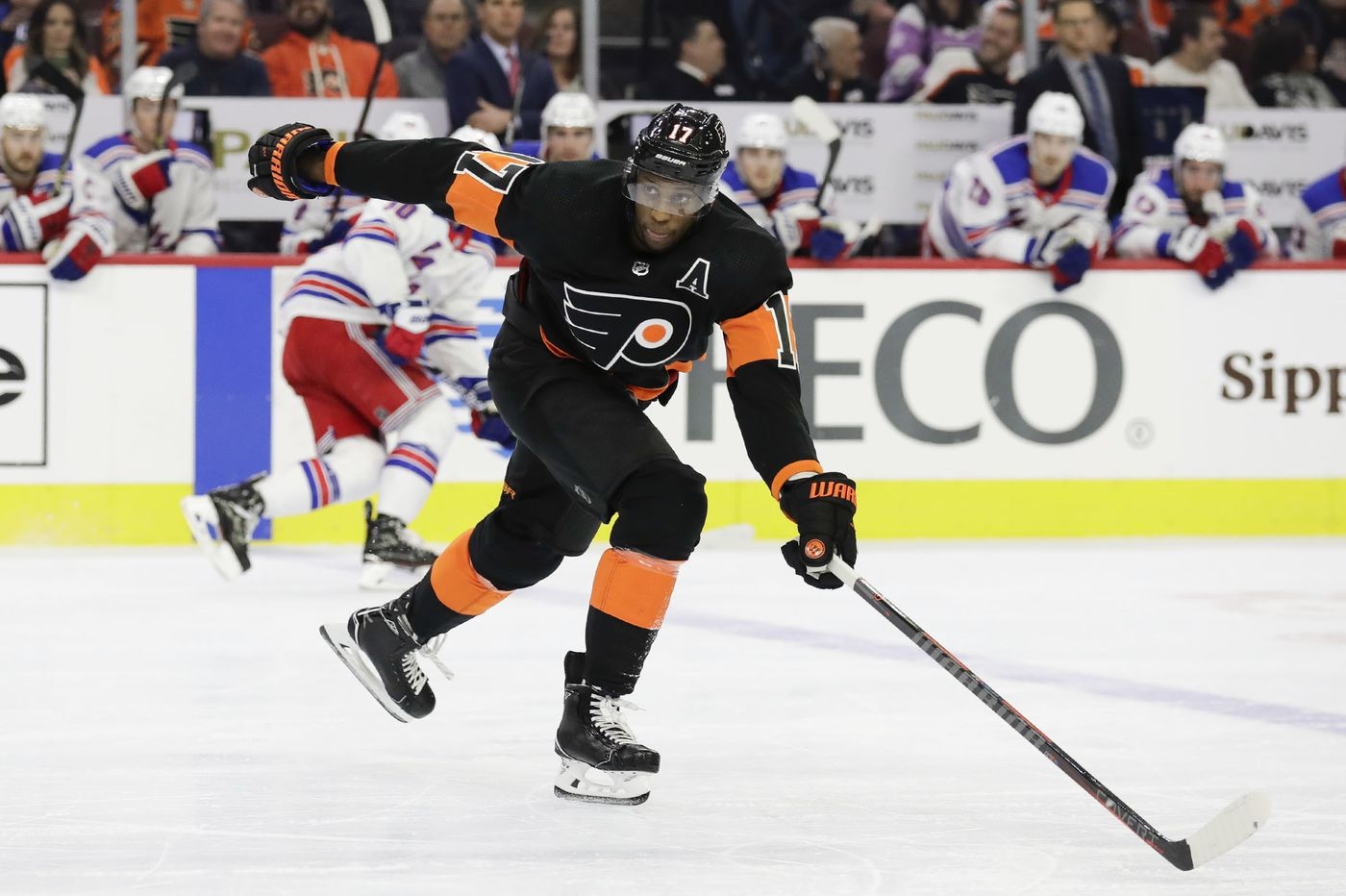 Will the Flyers trade Wayne Simmonds, or keep him for a chance to lure Joel Quenneville?