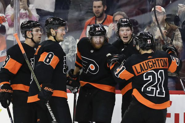 Jake Voracek gets three points as Flyers grind out a win against Devils, 5-2
