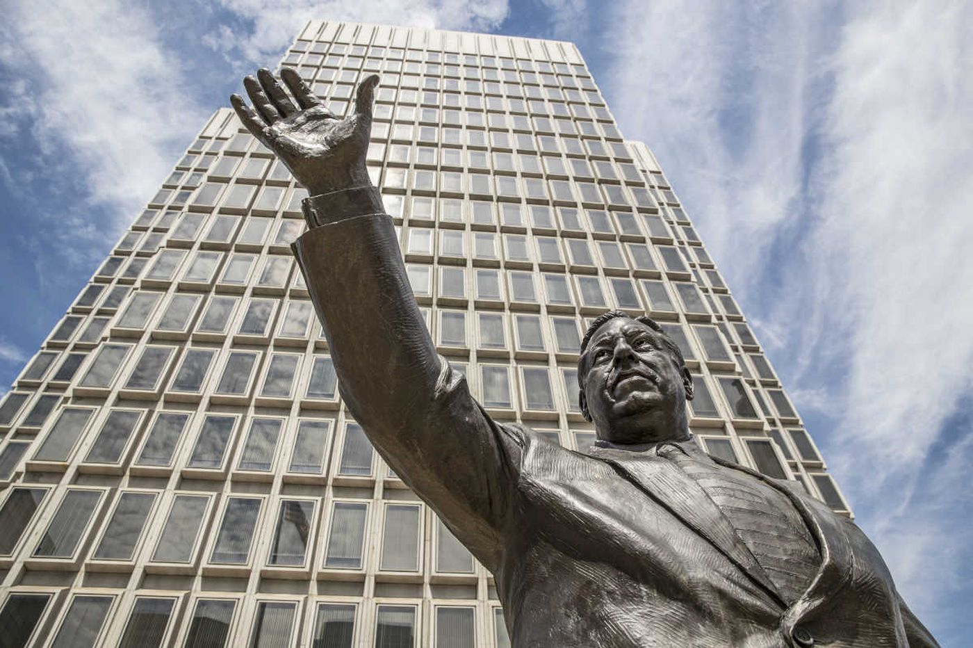 Remove the Rizzo statue from public property